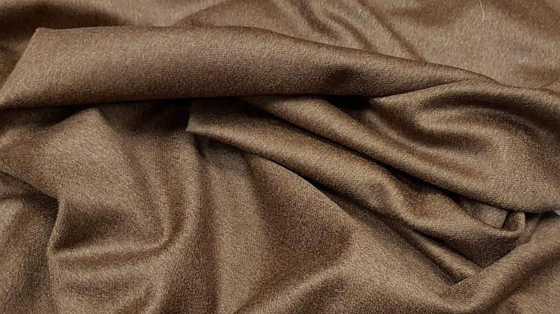 Παλτό 100% κασμίρ μαλακό και χυτό σαν μετάξι σε καμηλό